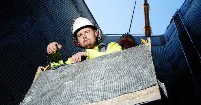 Bohus Bergsprängning och Andreas Haugerud använde vajersågen Speedcut 100 i projektet i Röda sten.