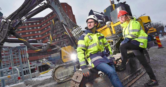 Skanska använder en ljuddämpad FlexiROC T30 R vid St Görans