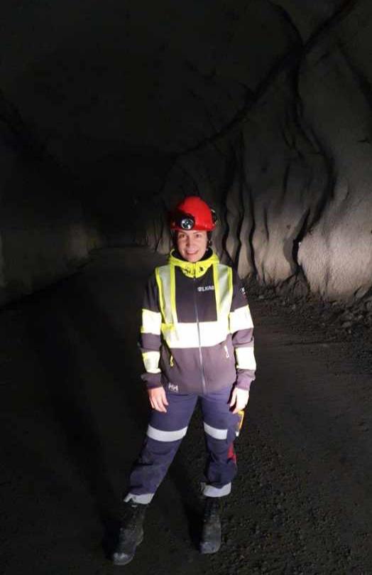Josefin Strannevik, 27 år. Jobbar på Bohus Bergsprängning och spränger just nu för Västlänken.