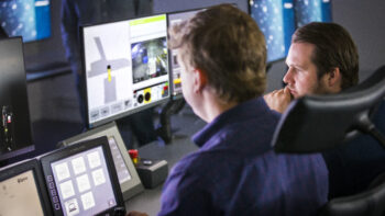 Så styrs gruvmaskiner världen över från Epirocs kontrolltorn i Örebro